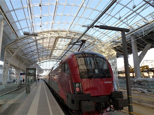 Reference_Railwaystation_Salzburg_Railjet