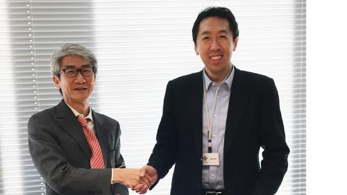From the left, Kaoru Umehara, General Manager of Business Innovation Dept,Corporate Planning & Strategy Division, Mitsui & Co. and Andrew Ng