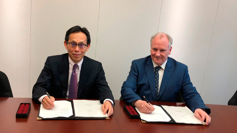 From the left: Yoshio Kometani, Chief Operating Officer of Infrastructure Project Business Unit at Mitsui & Co., Ian Hatton, Chairman of  Enterprize Energy Group