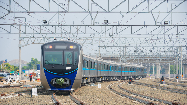Topics | Operations start on the North-South Line of the Jakarta
