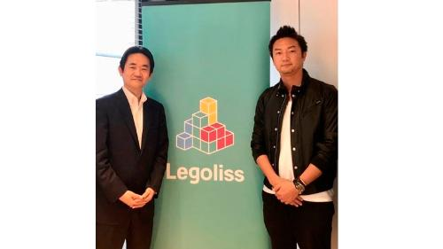 At the contract signing ceremony. From left: General Manager of Mitsui's Digital Marketing Div. Takuya Sugiyama, Legoliss CEO & Co-founder: Katsuaki Sakai